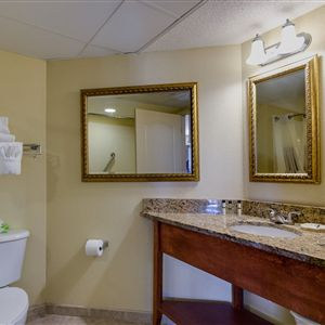 Best Western Plus Carolinian Oceanfront Inn & Suites