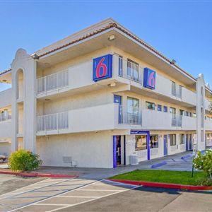 Motel 6 Phoenix West><span class=