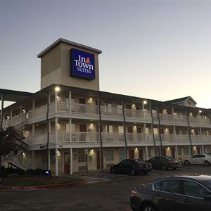 Sun Suites Of Dallas-Garland