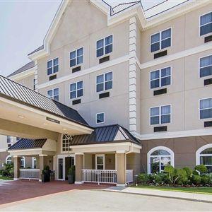 Comfort Inn & Suites I-35 E/Walnut Hill