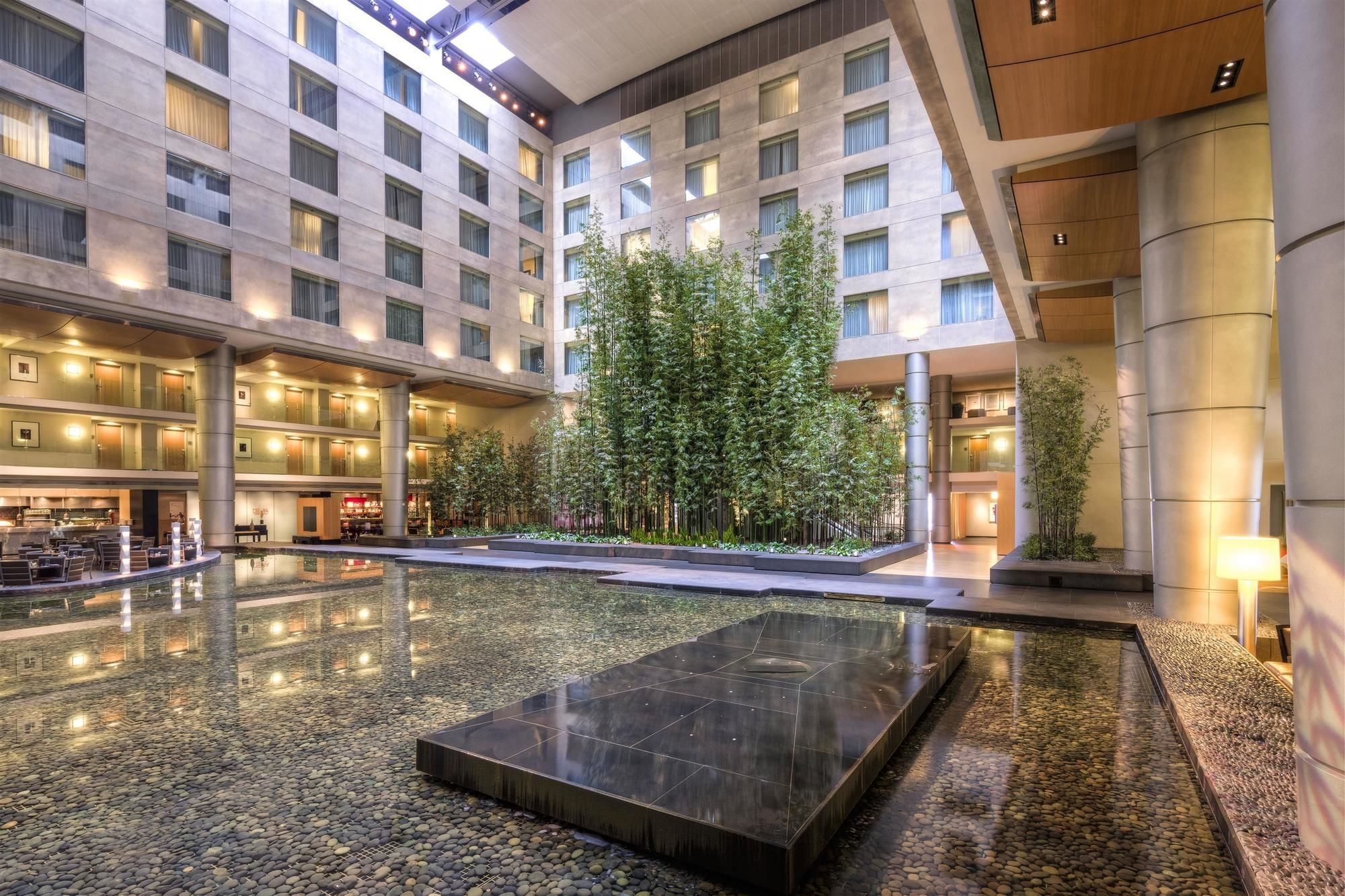 Westin Hotels and Hotel deals, discounts and special offers.