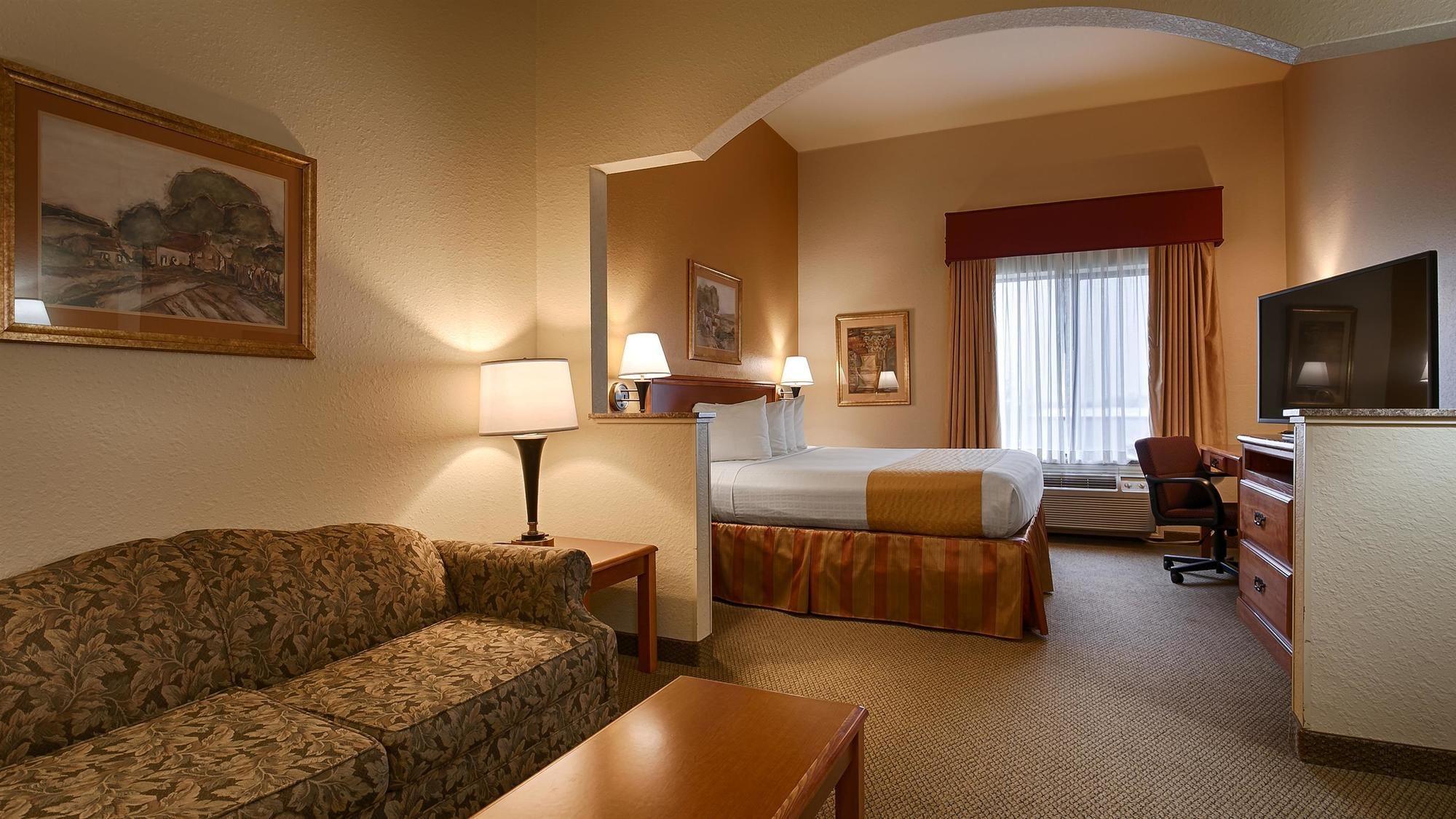 TX Best Western Executive Inn Suites In Madisonville