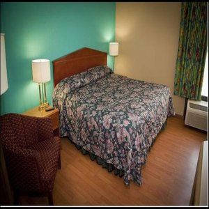 Palm Tree Extended Stay in Macon, GA