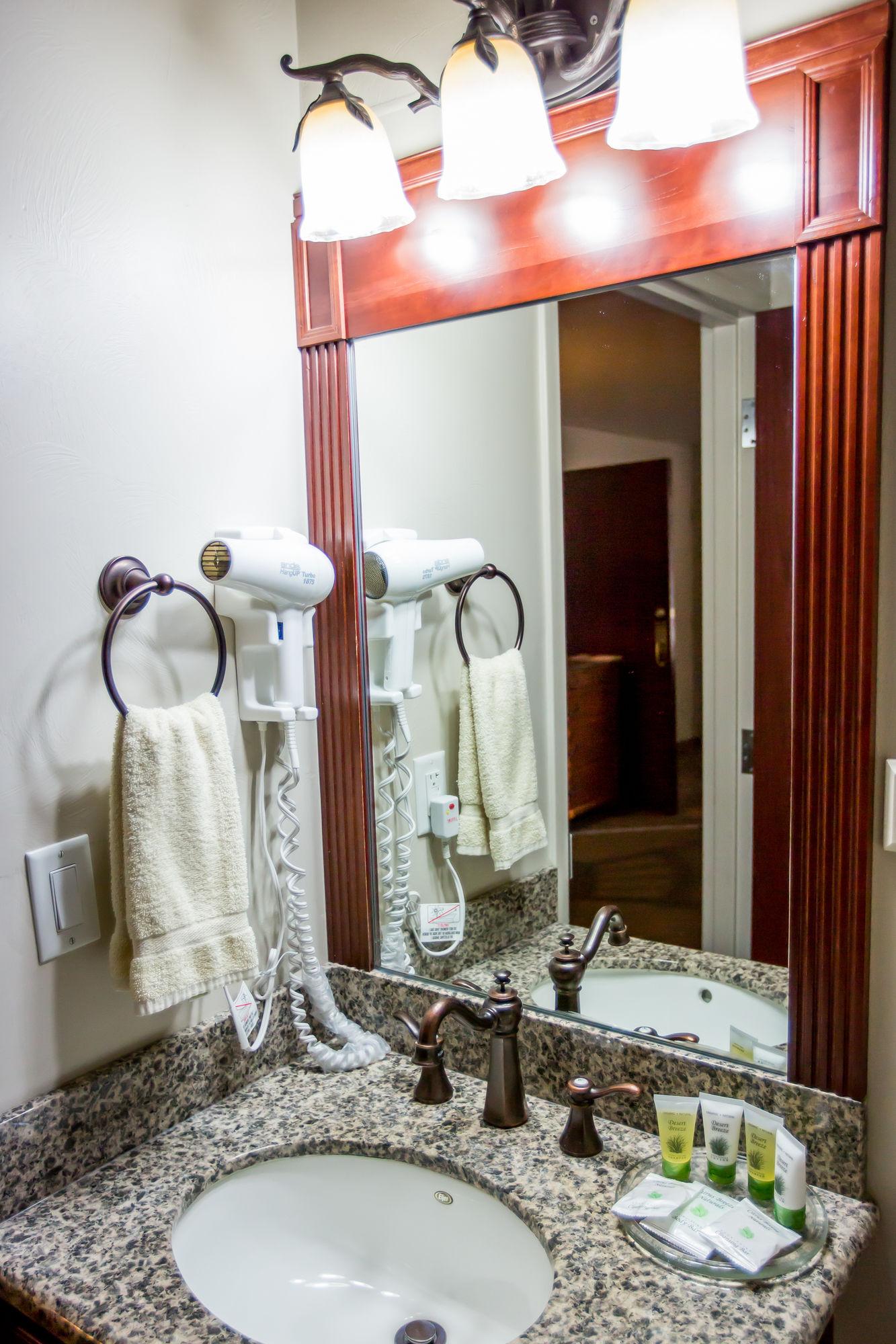 discount coupon for chalet motel in st george utah save. Black Bedroom Furniture Sets. Home Design Ideas