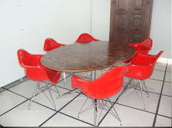Ambiente - Mesa Florence - Knoll com cadeira c/ braço