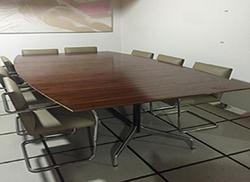 Mesa Segmentada Charles Eames tampo Bote