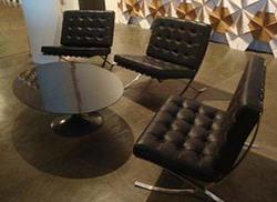 Ambiente - Poltronas Barcelona e mesa de centro Saarinen