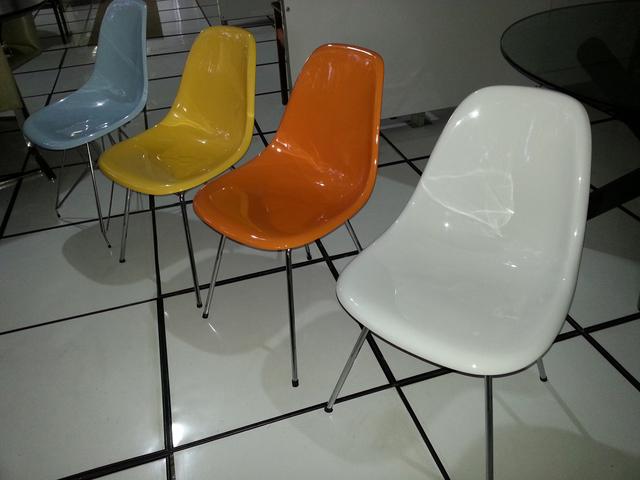 Cadeira Conchinha s/ braço base tubo fixa