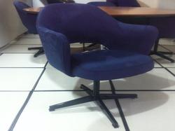 Cadeira Saarinen 71 azul