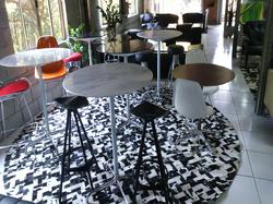 Mesa alta Bistro Charles Eames