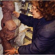 Marilyn_simon_working_on_a_sculpture_-_17_card