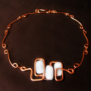 Copper_necklace_with_moon_glass_card