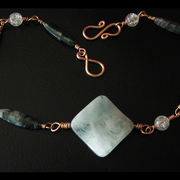 Jade_necklace_2_card