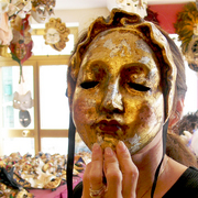 Venice_gold_mask_card
