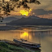 Luang_prabang_sunset_card