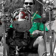 Green_drummer_for_sites_card