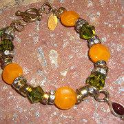 Vintage_stone_orange_and_peridot_bracelet_card