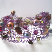 Purple_garnet_random_bracelet01_card