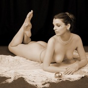 Lucinda_nude_card