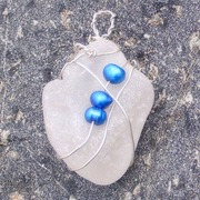 White_seaglass_w_blue_fw_pearls_edit_1_card