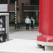 People_before_crossing_1_groningen011_card
