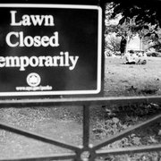 Lawn_closed_card