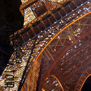 Eiffel_tower_44x26_card