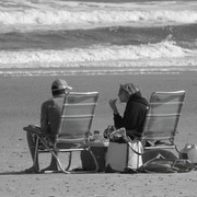 Couple_on_beach_in_b___w_card