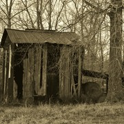 Old_tobacco_barn_sepia_card