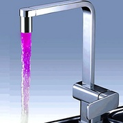 Chrome_finish_kitchen_faucet_with_color_changing_led_light135788272350efa56333829_card