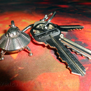 Finished_retro-flying_saucer_space_ship_key_chain_by_blaise_gauba_1-5-2013_send_v001_card