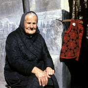 Old_lady_in_spain-print_card