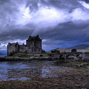 1669786-2-touched-by-heaven-eilean-donan-castle_card