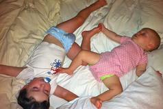 Bebe-enfant-formir-meme-chambre