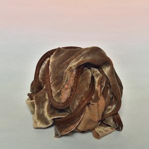 Alex yudzon  velvet pillow  2015  archival pigment print  20 x 16nin  edition 1 of 6 with 2 a.p.