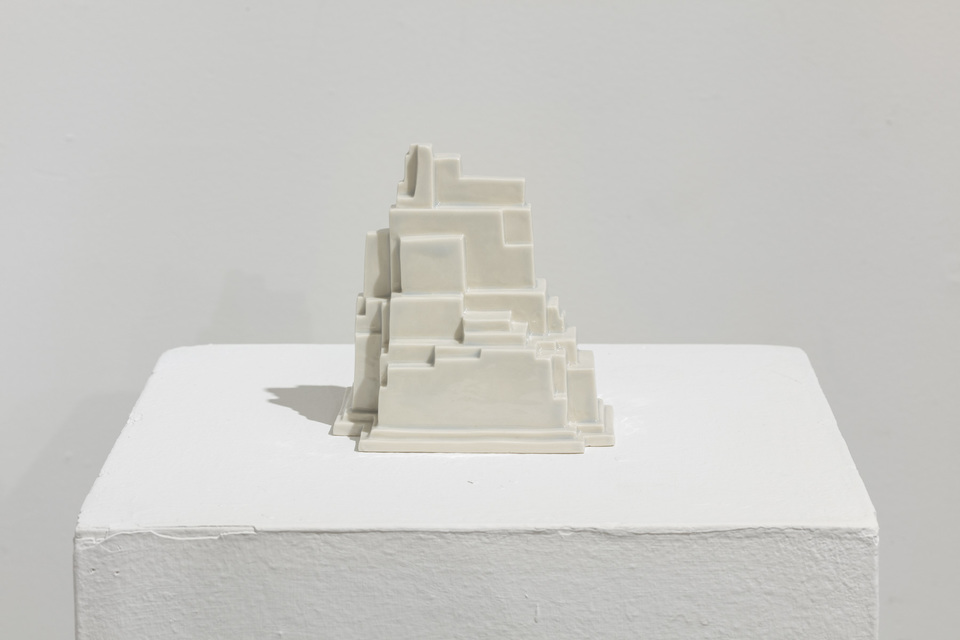 2019, porcelain, 10.5 x 12 x 12.5 cm