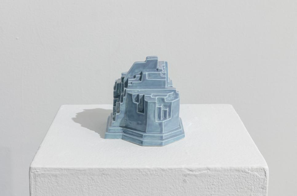 2019, porcelain, 10 x 13 x 10 cm