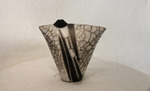 Vase_with_dots