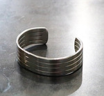 Forged_and_welded_stainless_steel_bracelet