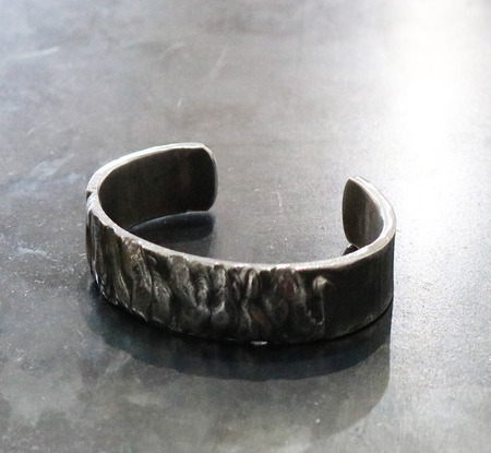 Forged_and_welded_stainless_steel_bracelet_2