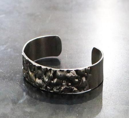 Welded_stainless_steel_bracelet