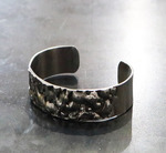 Welded_stainless_steel_bracelet