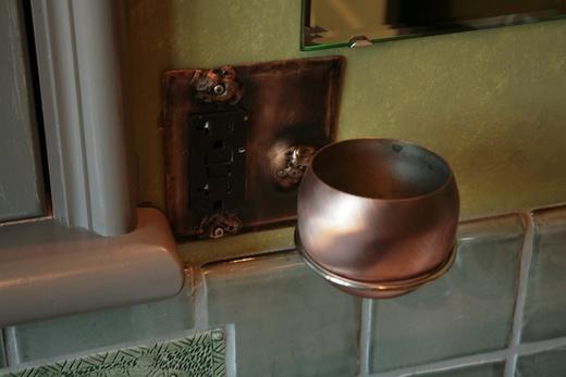 Medium_photo2_green_gold_bath_plug_cup_holder