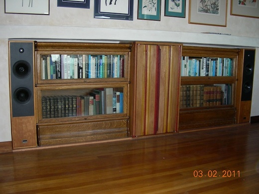 Medium_photo2_built_in_wine_cabinet_book_cases_stereo_and_speekers