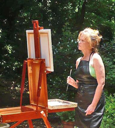 Frances Lynn painting en plein air