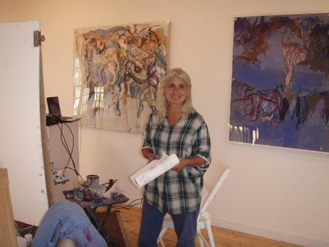Hannah painting demo in Galleria Arriba, NM