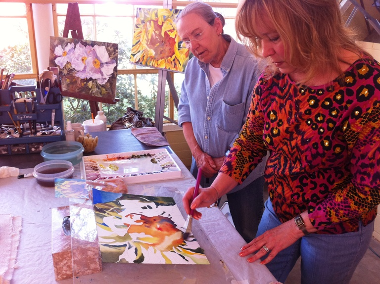 Artist Kay Smith demonstrates watercolor painting