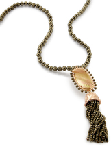 kendra-scott-tatiana-necklace-rose-gold-dark-brown-MOP-a-02
