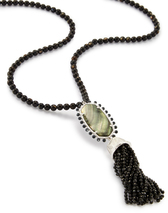 kendra-scott-tatiana-necklace-rhodium-black-MOP-a-02