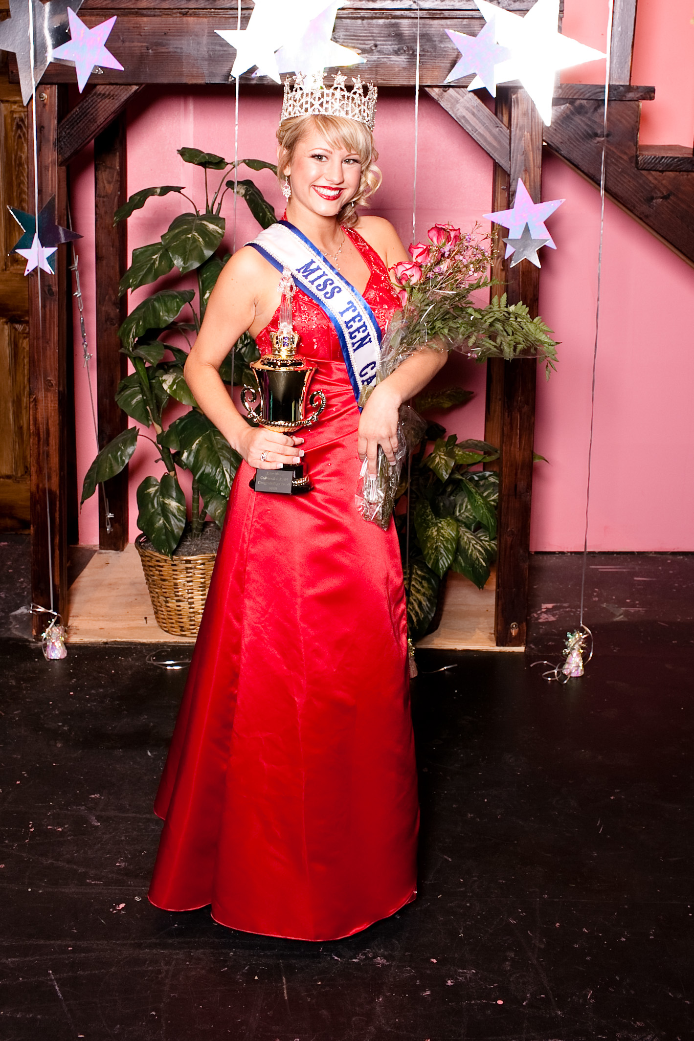 Olmstead Wins The Miss Teen California Beauty Pageant Submitted By